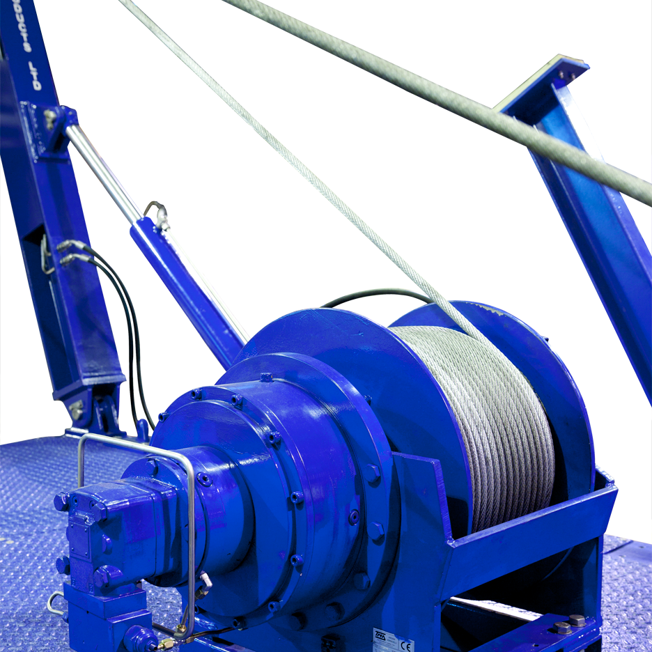 Launch and recovery submarine winch