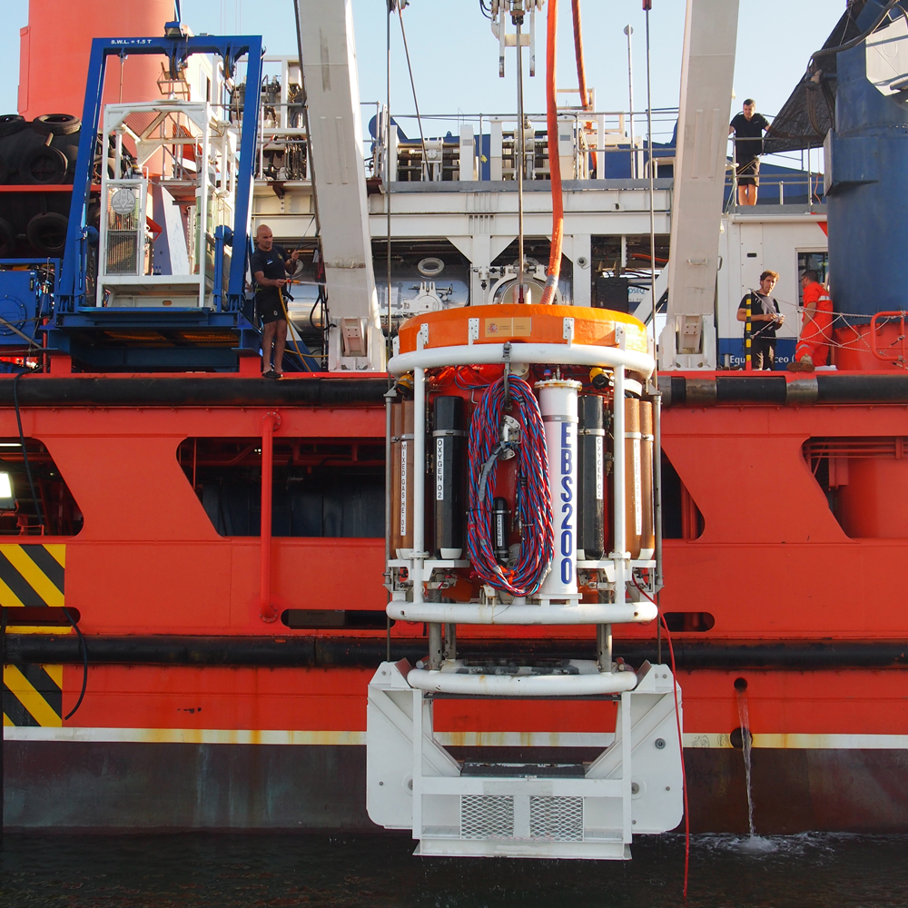 Saturation Diving systems on a boat