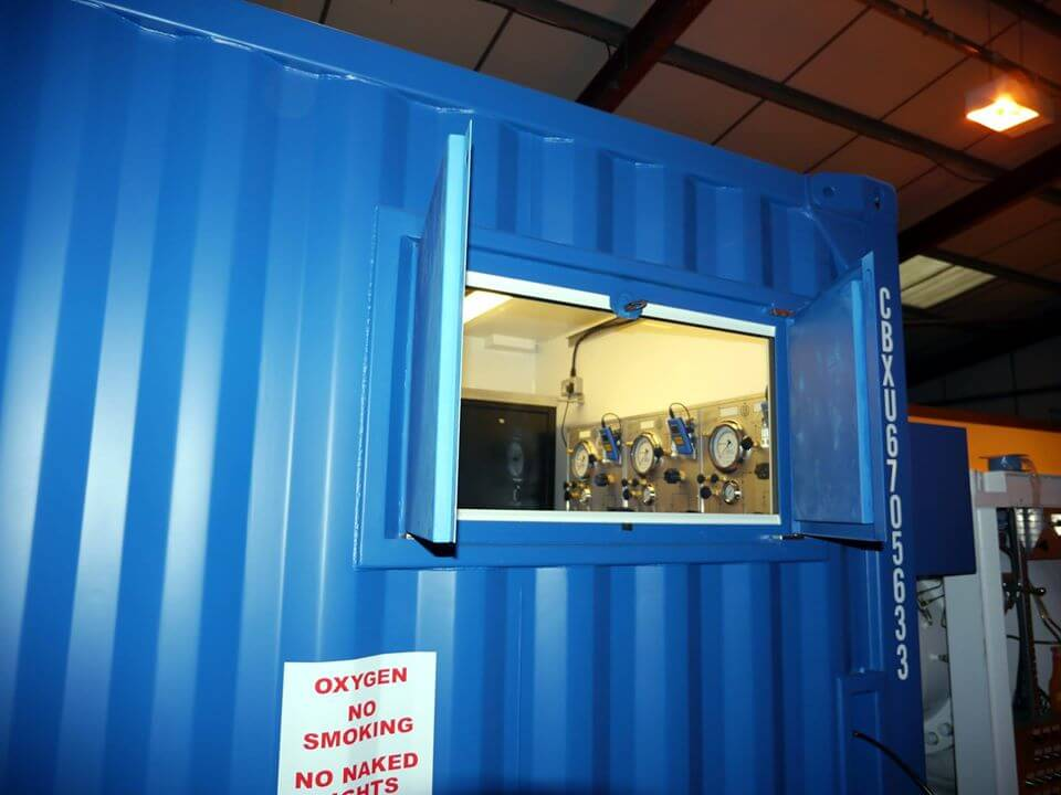 window of containerised dive system