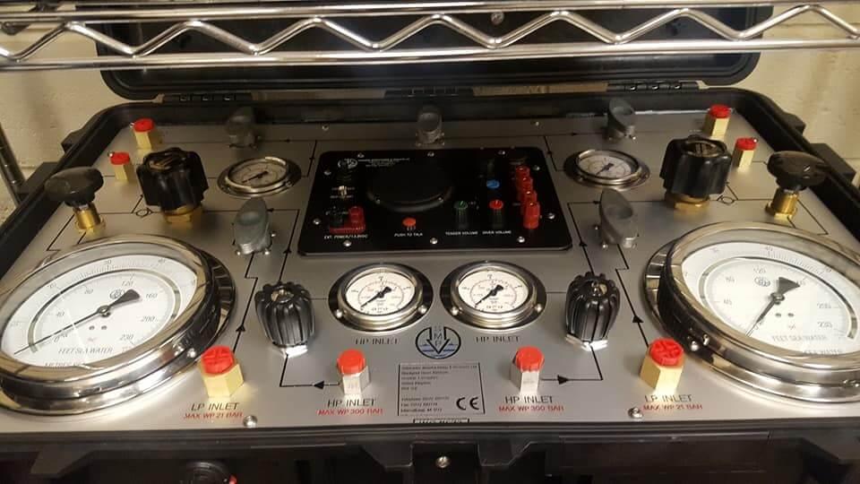 Diver panel pressure gauges & valves