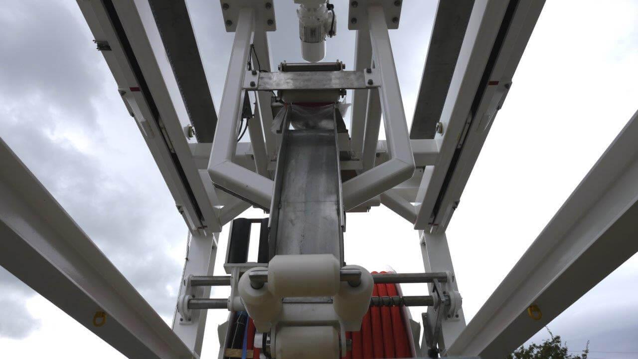 Submarine Emergency Ventilation Decompression System central apex