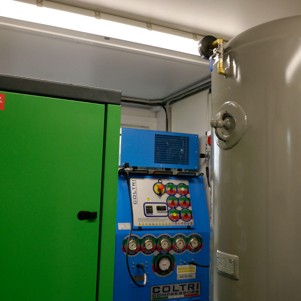 air tanks storage for hyperbaric chamber