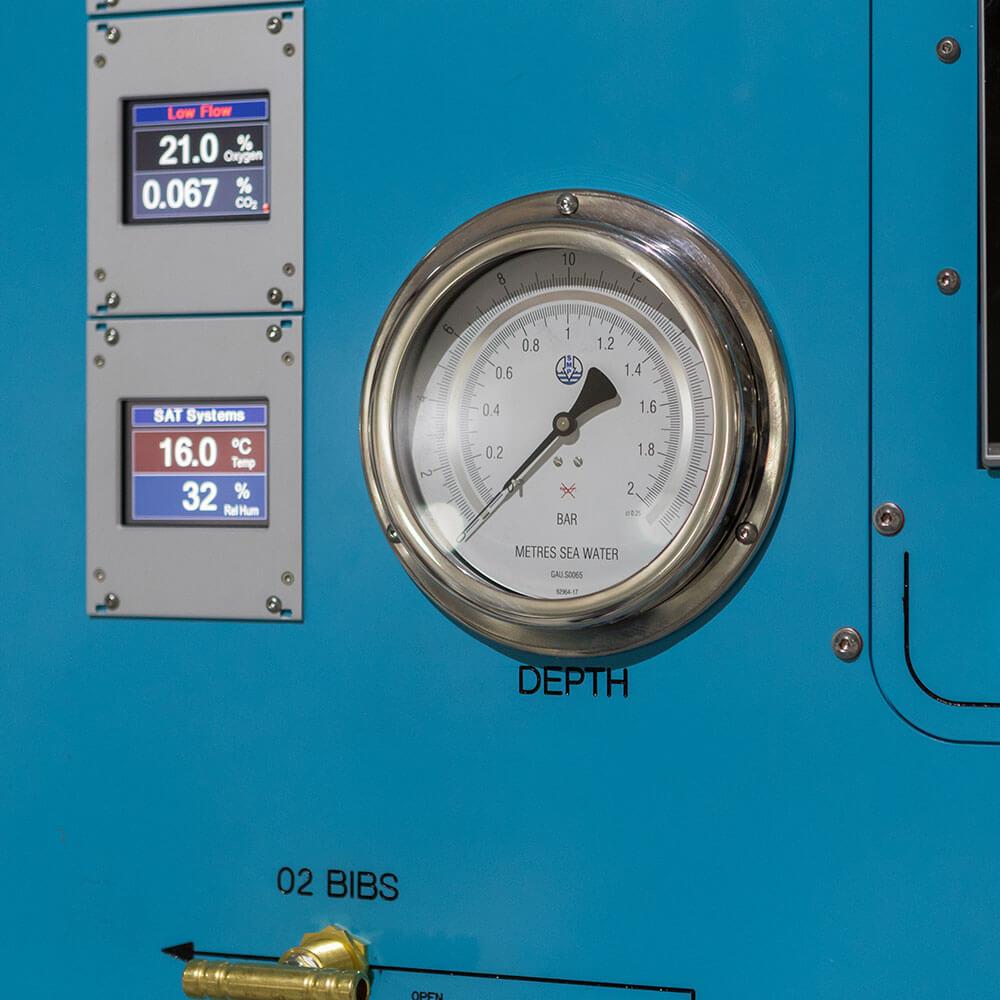 depth gauge on hyperbaric chamber facility