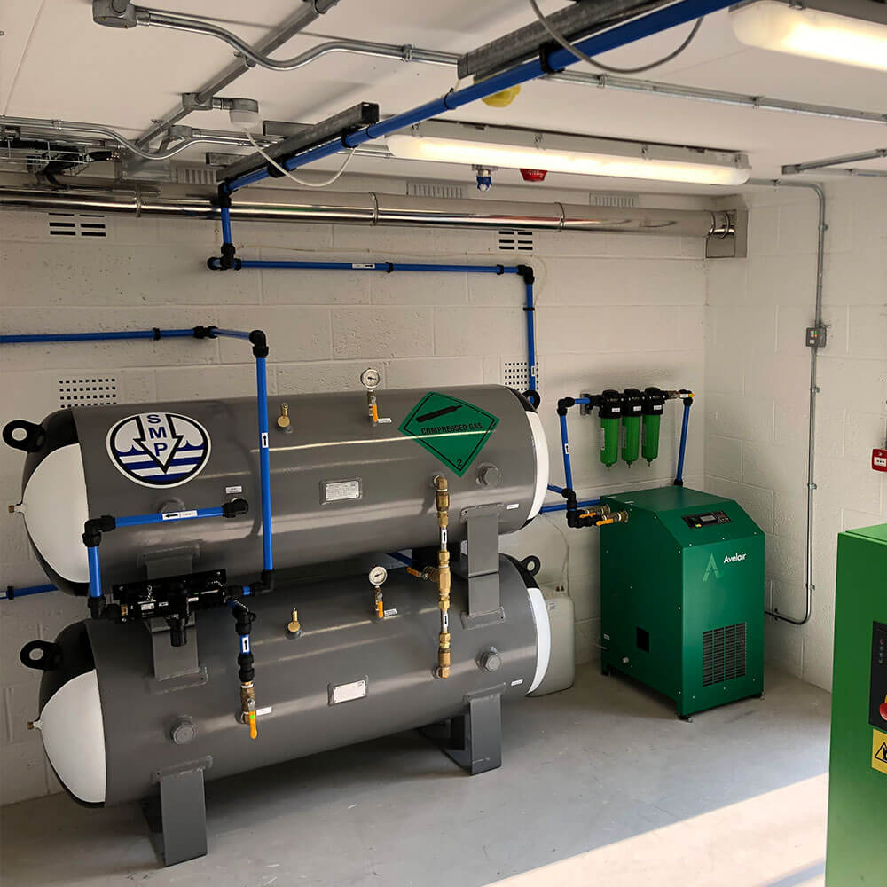 Air compressor system for hyperbaric chamber