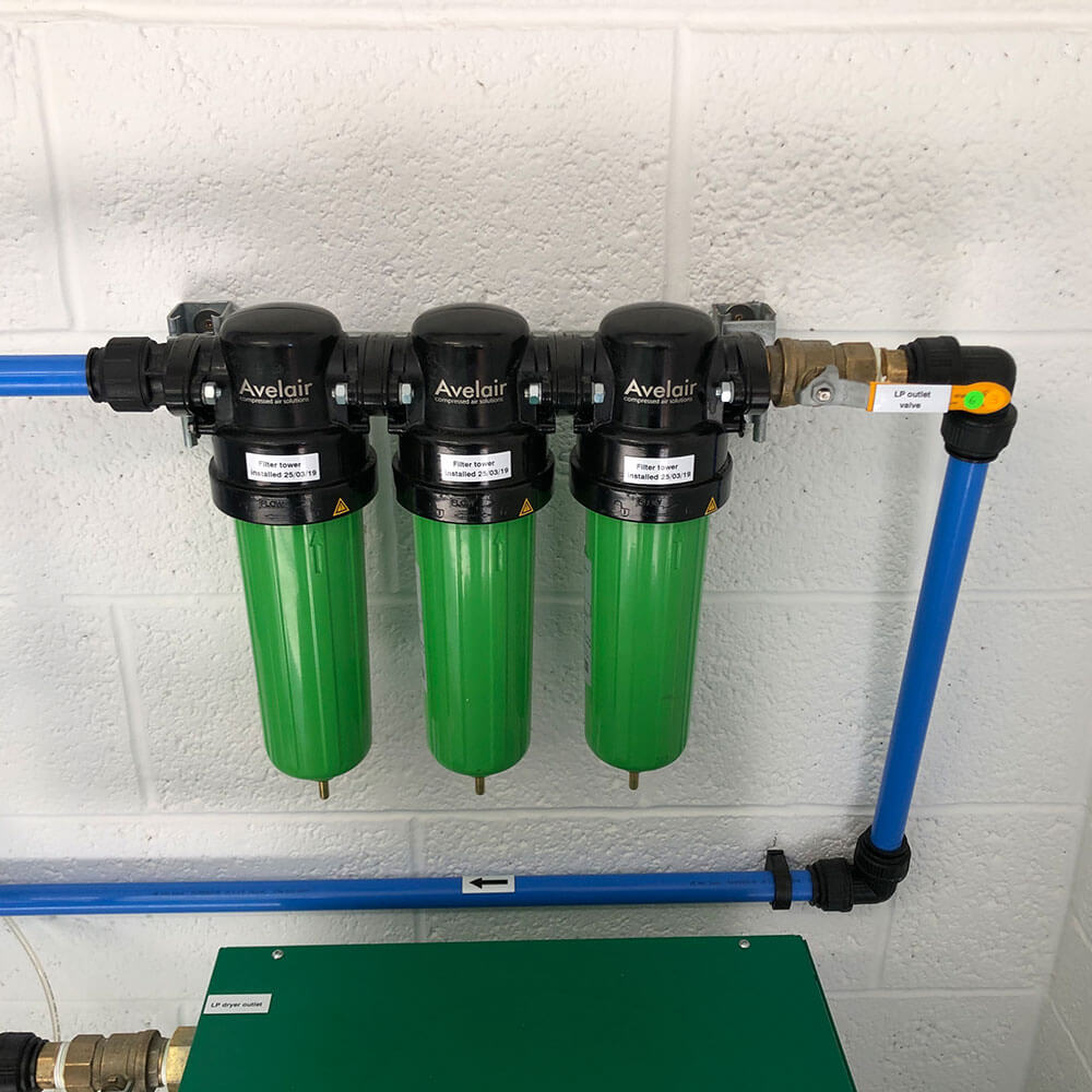 Pipework and pressure valve for hyperbaric chamber