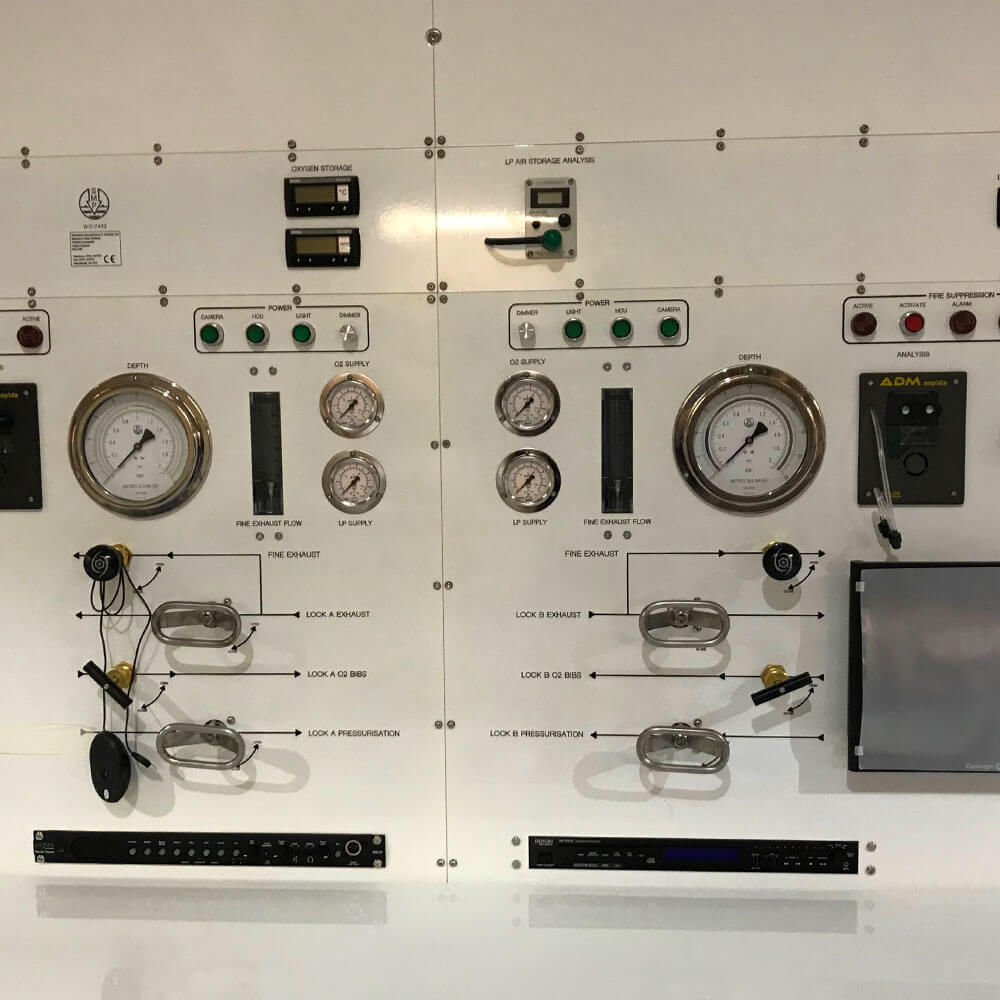 control panel of oxygen therapy unit