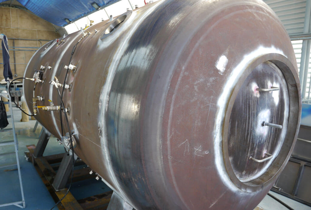construction of hyperbaric chamber