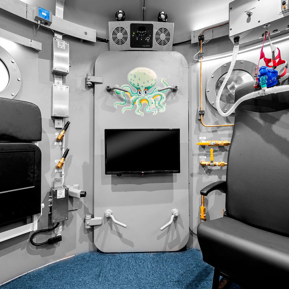 main door view from inside hyperbaric chamber