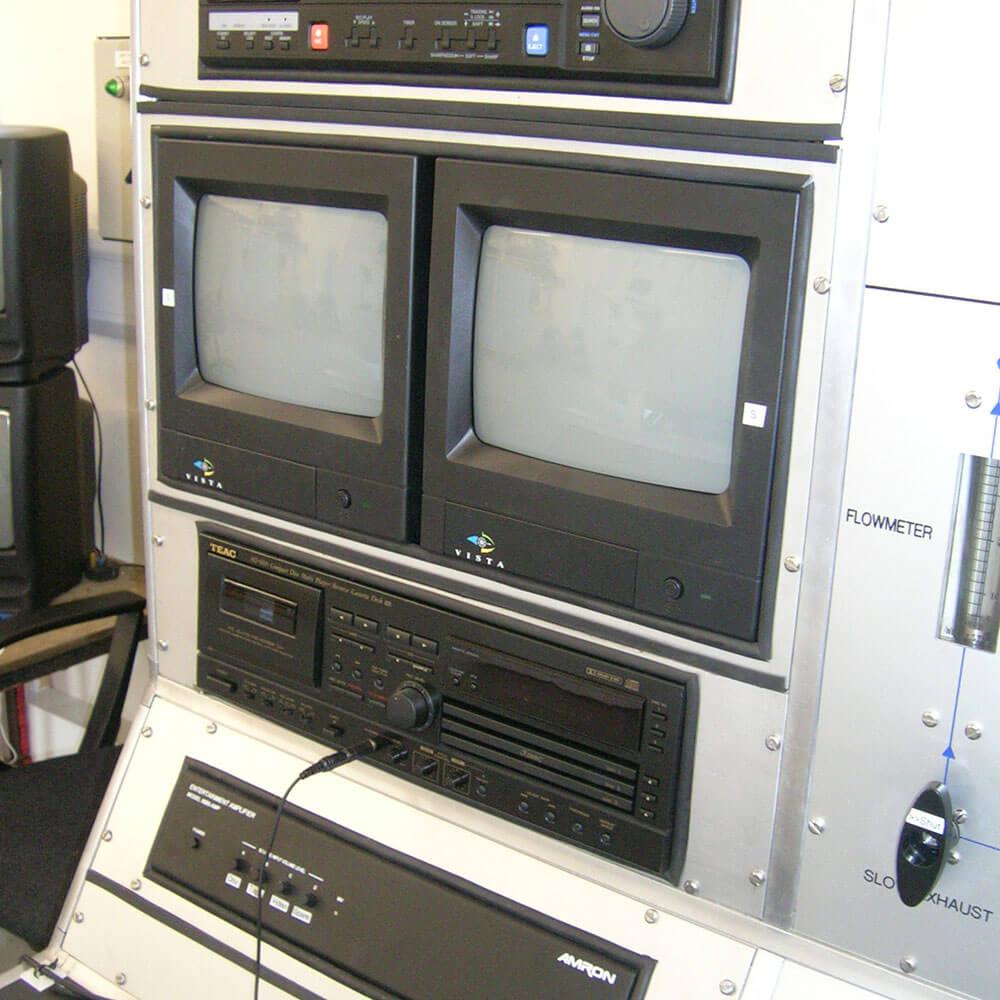 Hyperbaric Chamber visual communication system