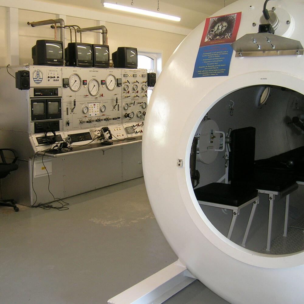 Entrance of 2m hyperbaric chamber